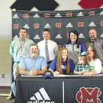 Traylor signs to play ball